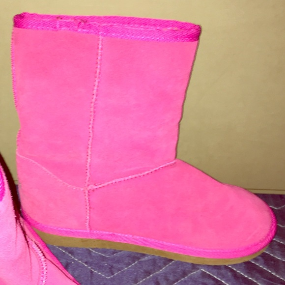 e3914923d Zodiac Shoes | New Hot Pink Suede Ugg Style Boot Girls Size 4 | Poshmark